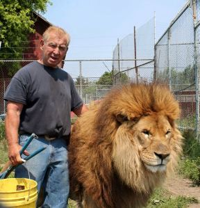 Leo the Lion and Kenny Hetick